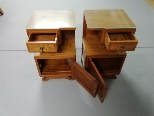 2 mesas de cabeceira antigas