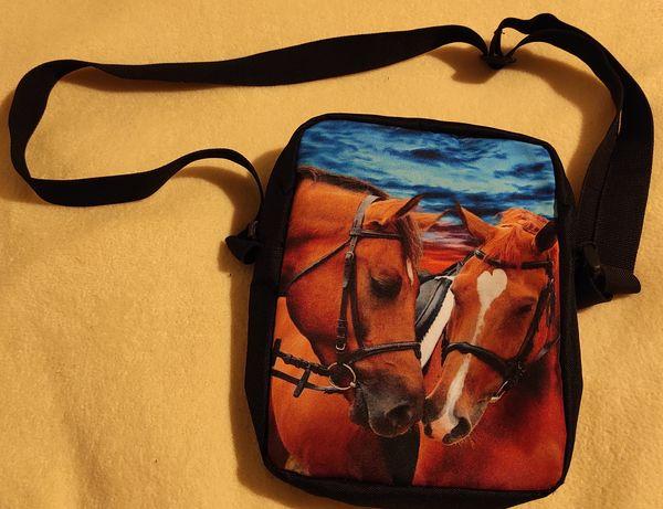 Torba na ramięz koniami torebka listonoszka koń konie
