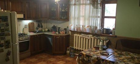 двухэтажный особняк 200кв.м. на пр.Петровского