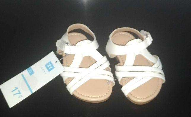Sandálias para menina. NOVAS!