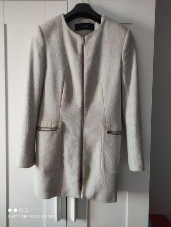 Casaco Zara Tam. M com marcas de uso