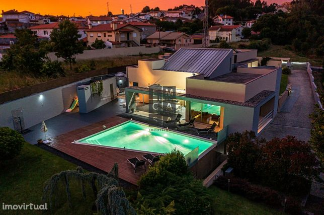 Moradia isolada T4+1 de luxo com piscina