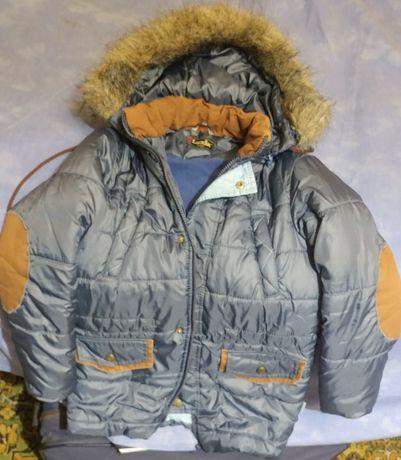 Мальчиковая зимняя куртка на 5-6 класс.