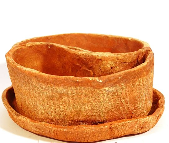 doniczka ceramiczna z podstawką nowe. unikat