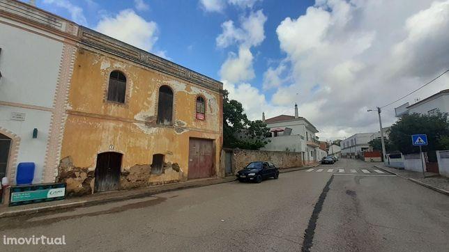 Imóvel para restauro no Interior do Algarve