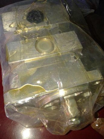 гідравлічний насос здвоєний новий до комбайна Домінатор та ремені