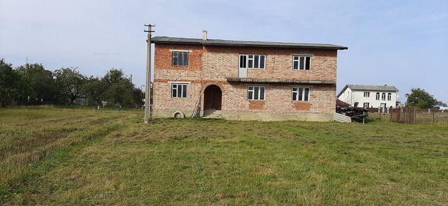 Будинок земельна ділянка