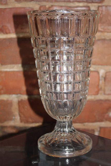 stary wazon w stylu art deco
