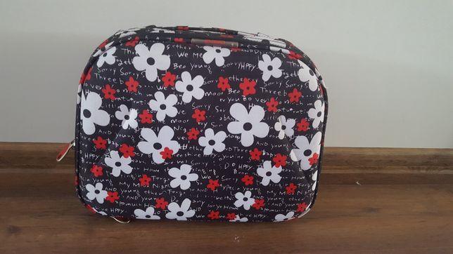 Kuferek na walizkę