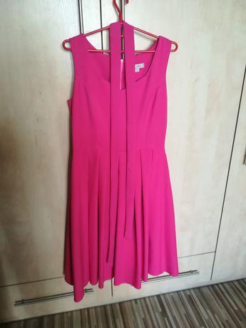 Sprzedam sukienkę rozmiar L/42