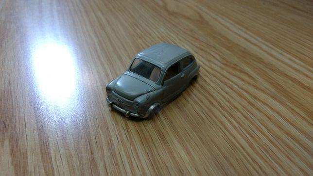 Miniatura Fiat 600 Corgi Toys