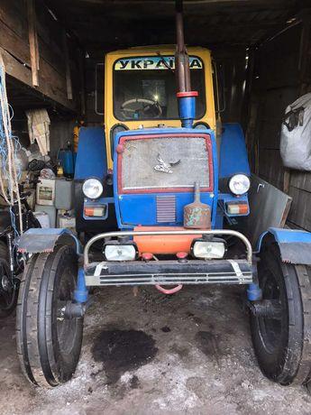 Продається трактор б/в