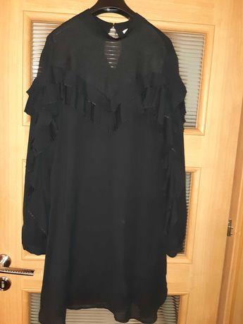 Sukienka włoskiej firmy Silvian Heach