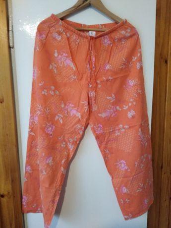Spodnie w kwiaty rozmiar M/L