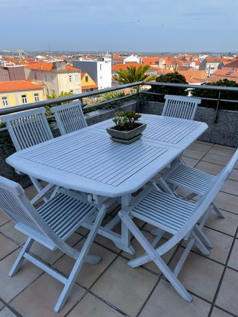 Mesa + 6 cadeiras TEKA pintadas