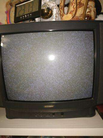 Продам телевизор фирмы Samsung