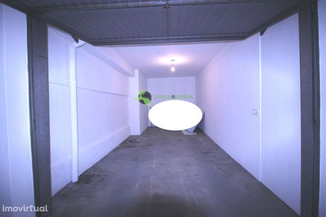 Garagem 15m2 perto da Marques de Pombal (flO1704B)