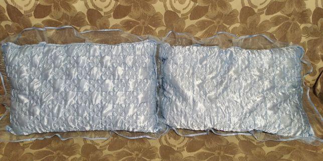 Новые синтепоновые подушки с наволочками