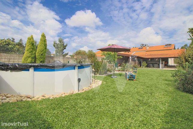 Fantástica Moradia T4 com Jardim, Piscina e excelente exposição solar
