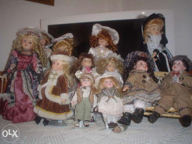 Vendo bonecas de porcelana em muito bom estado