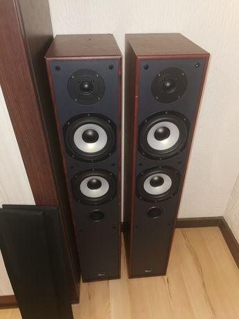 Kolumny podłogowe M audio HCS-8800