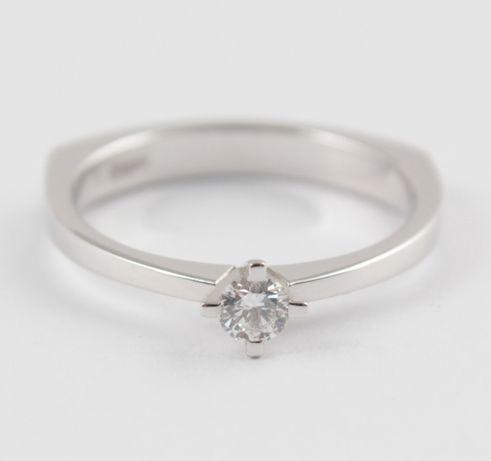 Распродажа! Кольцо для помолвки из белого золота с бриллиантом