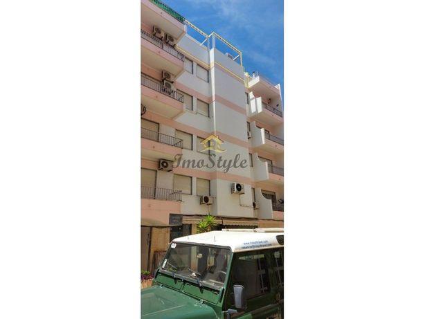 Apartamento duplex T0 + 3 em Monte Gordo