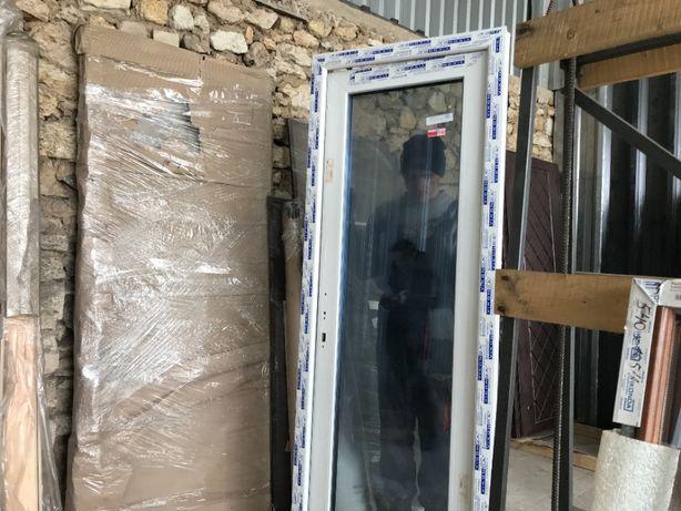 """Входные двери ПВХ металлопластиковые, """"Атрацит"""", 6 камер, 800х2100мм"""