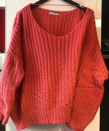 Szeroki koralowy sweter