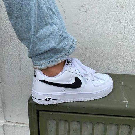 Sapatilhas Nike e Vans