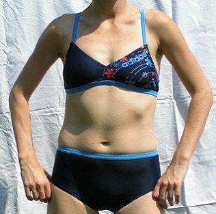 Strój kąpielowy Adidas AWFK TB rozm 116 cm