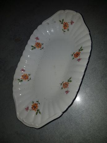 Salaterka z porcelany .