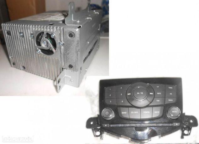 Rádio original para Chevrolet Cruze (2010) CQEG0971YC 94563271