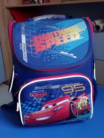 Рюкзак шкільний для хлопчика на 1 клас
