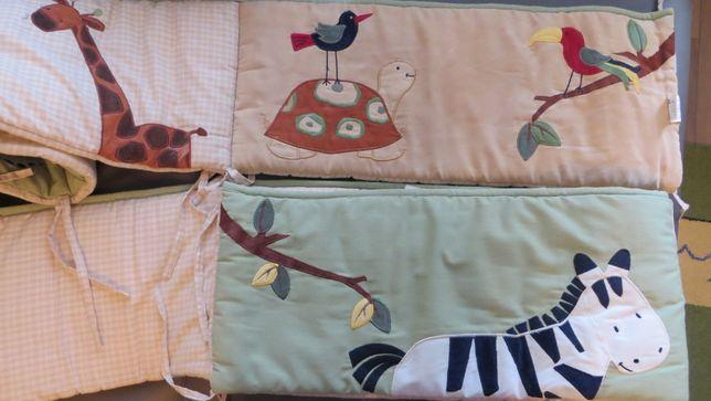 Набор Сафари на детскую кроватку KidsLine, защитный бампер, одеяло, пр
