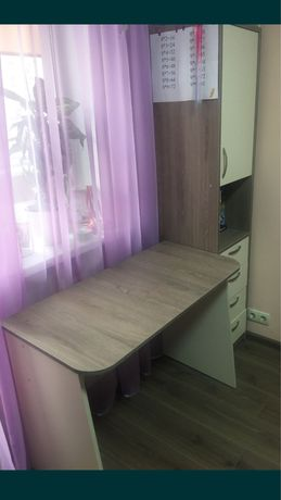 Продам письменный стол и пенал