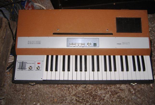 Instrument, Keyboard HARLEEM 1044p Italian Vintag