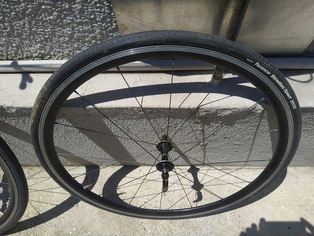 Rodas Giant PR2, com pneus.