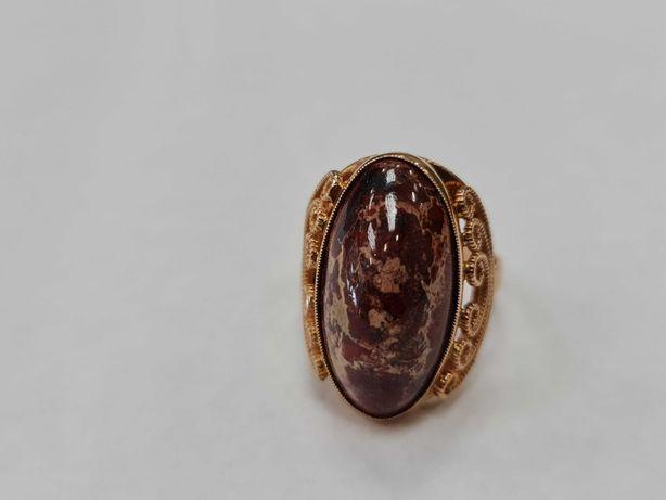 Wyjątkowy złoty pierścionek/ 583/ 9.87 gram/ R20/ Kwarc/ Radziecki