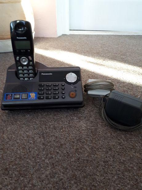 Телефоны домашние Panasonic