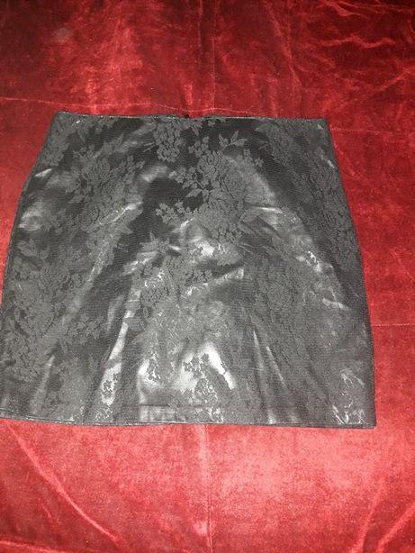 Promocja! AMISU -Czarna spódnica mini rozm. 40