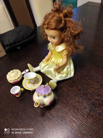 Ładna lalka do zabawy