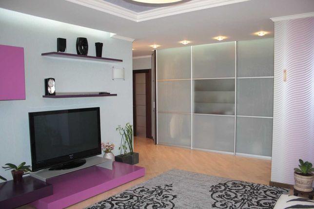 Продам 3 комнатную квартиру Спортивная, Центр