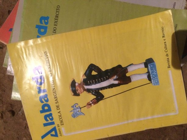 7 revistas ''alabarda''