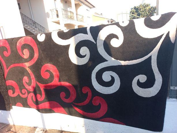 Carpete preta grande