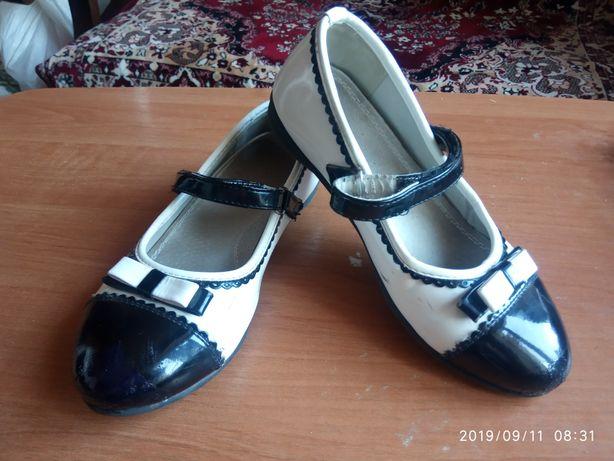 Лаковані Мешти 31 р.(20 см стєлька) Туфли. Мокасини.