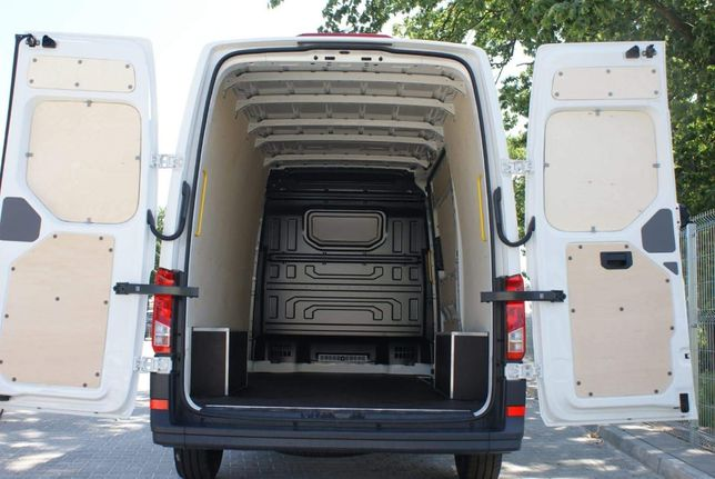 Zabudowa standardowa ze sklejki do auta dostawczego Crafter L4H3