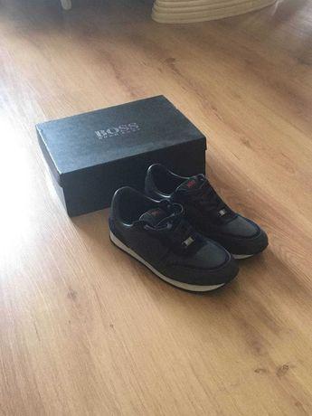 Солидные кроссовки Hugo Boss