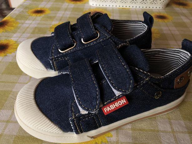 Кеды джинсовые на липучках 17,5 см. 29 размер