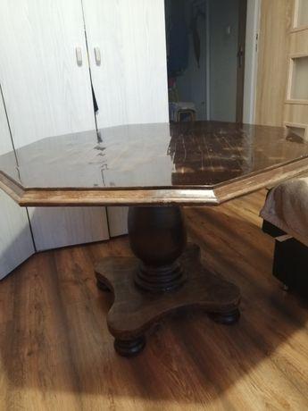 Piękny stary stół